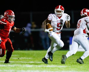 Easton's football team put a ripple in the rankings by taking out Parkland. (Saed Hindash | For lehighvalleylive.com)