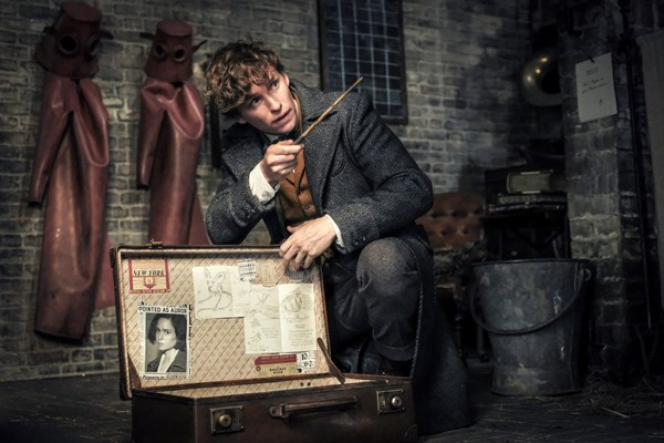 """This image released by Warner Bros. Pictures shows Eddie Redmayne in a scene from """"Fantastic Beasts: The Crimes of Grindelwald."""""""