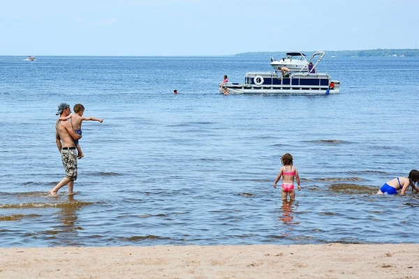 Hitting the beach or pool for Father's Day may not be a bad idea as temperatures warm up this weekend across Upstate New York.