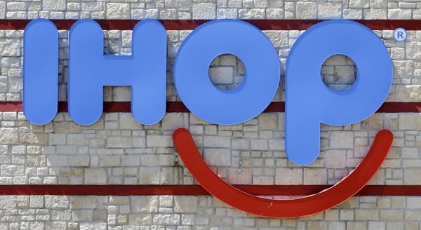 International House of Burgers: 'IHOP' becomes 'IHOb'