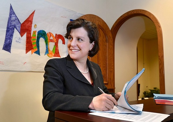 Former Syracuse mayor Stephanie Miner says she's running as an independent for governor because she doesn't trust the established parties to deal with corruption.(David Lassman / The Post-Standard)