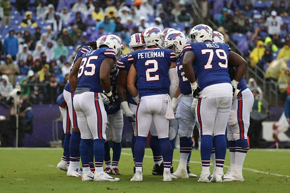 BALTIMORE, MD - SEPTEMBER 9: Nathan Peterman #2 of the Buffalo Bills huddles with the offense in the second quarter against the Baltimore Ravens at M&T Bank Stadium on September 9, 2018 in Baltimore, Maryland. (Photo by Rob Carr/Getty Images)
