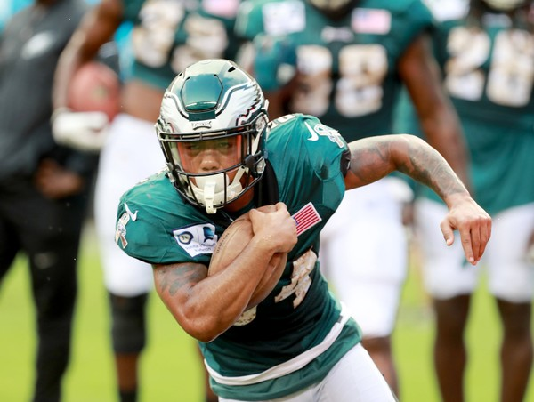 Eagles RB Donnel Pumphrey (34) runs during individual drills during the first open practice, Military Appreciation Night at Lincoln Financial Field in Philadelphia, Sunday, Aug. 5, 2018. (Tim Hawk | For NJ.com)