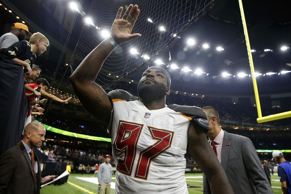 Vinny Curry #97 of the Tampa Bay Buccaneers waves to fans after a game against the New Orleans Saints at the Mercedes-Benz Superdome on September 9, 2018 in New Orleans, Louisiana.