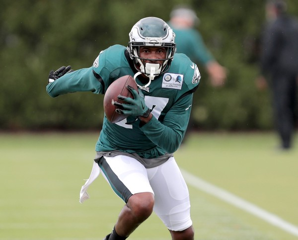 f874cc04df1 Eagles WR Alshon Jeffery (17) runs after a catch during practice at the  NovaCare