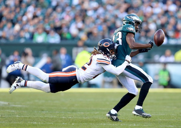 Eagles WR Nelson Agholor (13) drops a pass as Bears DB Cre'Von LeBlanc (22) defends in the third quarter at Lincoln Financial Field, Sunday, Nov. 26, 2017. (Tim Hawk | For NJ.com)