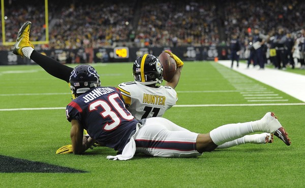 Pittsburgh Steelers wide receiver Justin Hunter is out vs. the Carolina Panthers. He is shown here celebrating after catching a touchdown pass Monday, Dec. 25, 2017, in Houston. (AP Photo/Eric Christian Smith)(Eric Christian Smith)