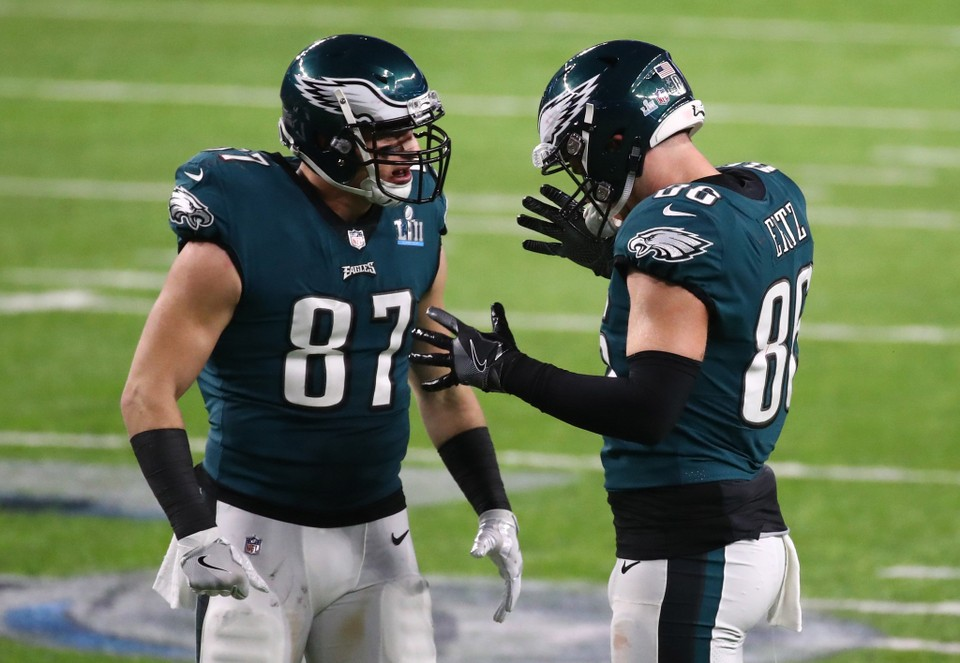 600fd384ff6 Rob Gronkowski  Bring back Brent Celek  What Eagles could do at tight end