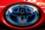 Toyota, Lexus to sell vehicles that can 'talk' to each other in 2021
