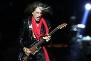 Aerosmith guitarist Joe Perry reportedly out of NYC hospital, returns to Massachusetts