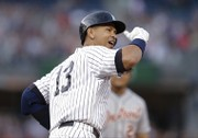 Yankees' Alex Rodriguez gets 3,000th hit, but fan refuses to hand over ball