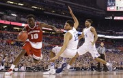 Final Four 2015: Wisconsin Badgers' steady backcourt withstands Kentucky Wildcats