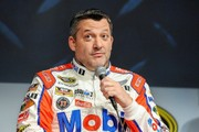 NASCAR driver Tony Stewart, family of Kevin Ward Jr. reach settlement in lawsuit