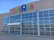 Early gifts: $1.6K in layaway bills paid off for local Toys R Us customers