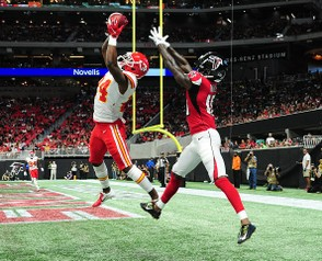 ATLANTA, GA - AUGUST 17: David Amerson #24 of the Kansas City Chiefs makes an interception in the end zone but landed out of bounds against Calvin Ridley #18 of the Atlanta Falcons during a preseason game at Mercedes-Benz Stadium on August 17, 2018 in Atlanta, Georgia. (Photo by Scott Cunningham/Getty Images)