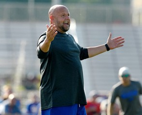 Brian Daboll used a balanced attack to knock off the Minnesota Vikings in Week 3. His game-plan led to him being named Offensive Coach of the Week by Peter King.