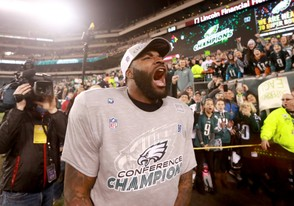 Eagles DE Vinny Curry (75) screams after a 38-7 victory over the Vikings in the NFC Championship Game at Lincoln Financial Field in Philadelphia, Sunday, Jan. 21, 2018. SJN