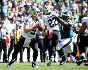 New Orleans Saints quarterback Drew Brees (9) looks to pass the ball in the first quarter during the game against the Philadelphia Eagles at Lincoln Financial Field, Sunday, Oct. 11, 2015. (Lori M. Nichols | For NJ.com) SJN