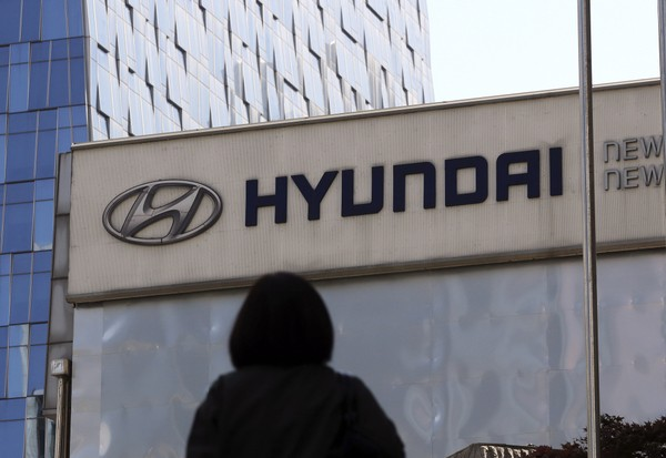 United States investigating deadly Hyundai, Kia airbag failures