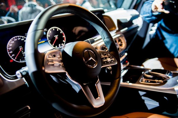 Following crowd, Mercedes-Benz to offer subscription ownership