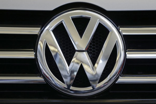 Vw Recalls 71k Older Passats For Second Time To Complete Takata Air