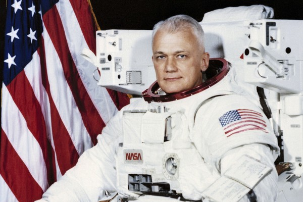 Bruce McCandless, former NASA astronaut, dies at 80