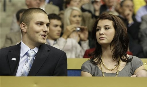 Sarah Palin's son charged with assaulting his father