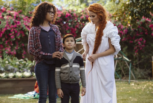 "Storm Reid, from left, Deric McCabe and Reese Witherspoon in a scene from ""A Wrinkle In Time."" (Atsushi Nishijima/Disney via AP)"