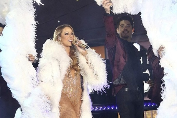 Mariah Carey cancels Christmas shows due respiratory infection