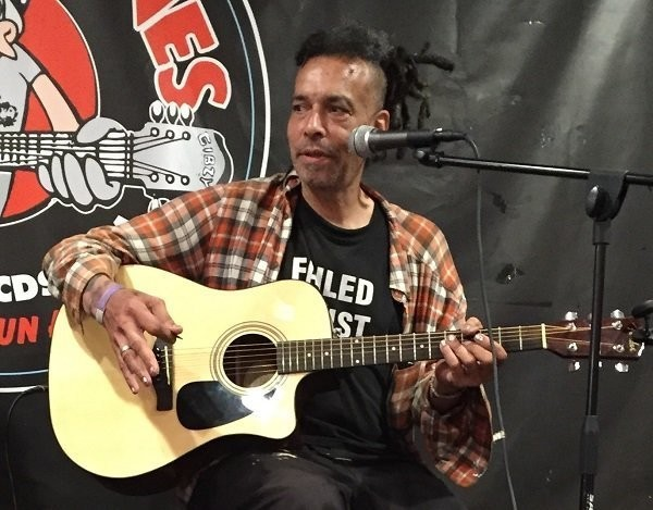 Chuck Mosley performs at Looney Tunes Records in Babylon, N.Y., on July 18, 2016