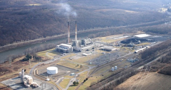 An aerial view of the Portland Generating Station in Upper Mount Bethel Township. Pollution from the power plant on the Pennsylvania bank of the Delaware River wafted into New Jersey.