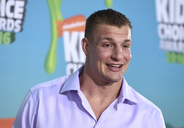 A Buffalo-area native, Rob Gronkowski says he has a lot in common with those rowdy, tailgating Bills fans