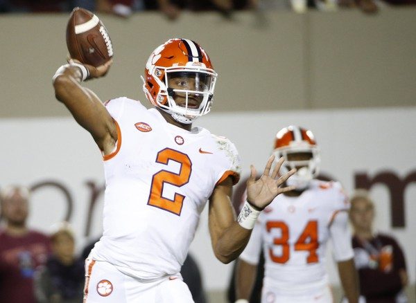Clemson QB Kelly Bryant exits game with ankle injury