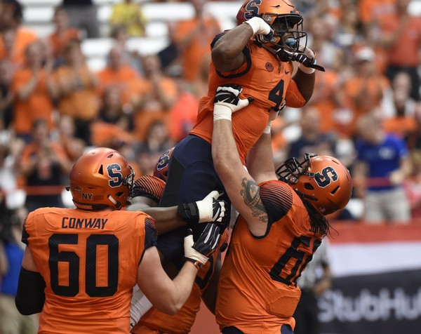 Syracuse football offensive linemen Airon Servais (68) and Cody Conway (60) are hopeful the front five can build off a strong second half against Pittsburgh.