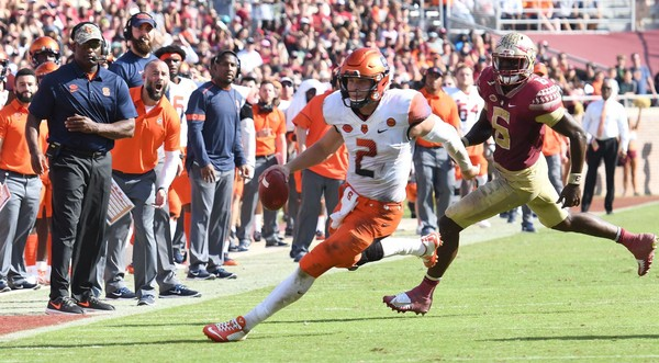 The bowl hopes of Syracuse quarterback Eric Dungey and the Orange took a punch from Florida State on Saturday.