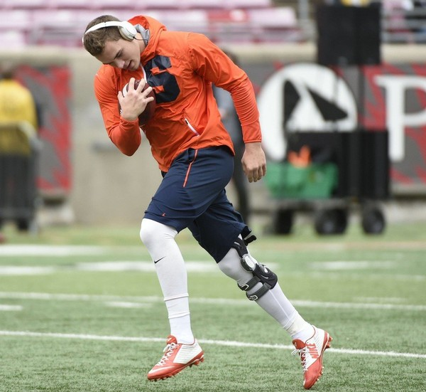 Syracuse quarterback Eric Dungey hasn't played since suffering an undisclosed lower-right leg injury at Florida State three weeks ago.