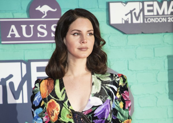Musician Lana Del Rey poses for photographers upon arrival at the MTV European Music Awards 2017 in London, Sunday, Nov. 12th, 2017.