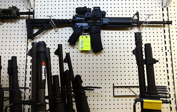 Gun enthusiast makes powerful statement with his AR-15
