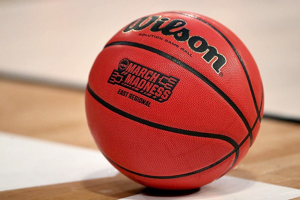 The FBI has detailed documents on payments to college basketball players, according to a Yahoo Sports report.