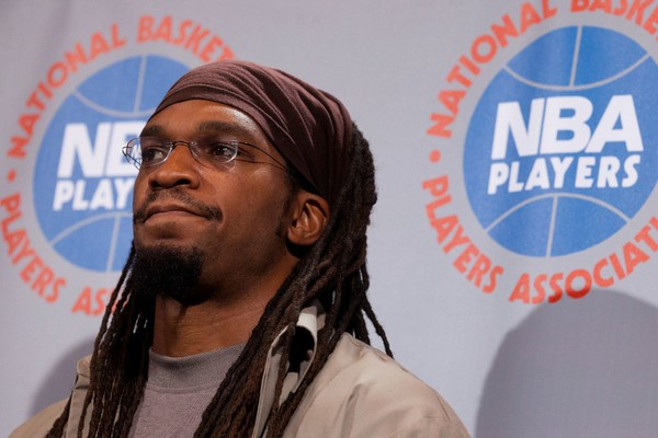 Former Syracuse star Etan Thomas visited Syracuse University on Monday as part of the Tanner Lecture Series on Ethics, Citizenship and Public Responsibility.(Associated Press)
