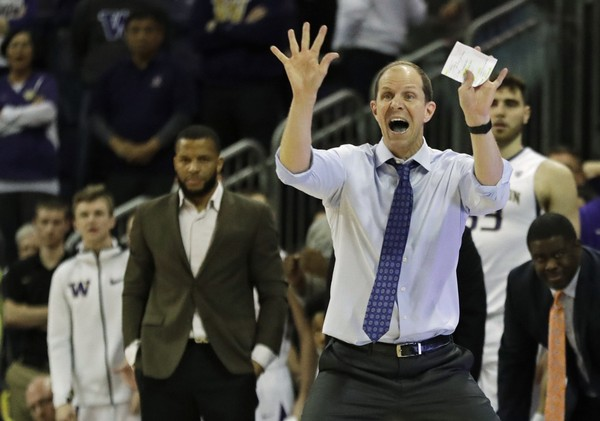 Hopkins wins Pac-12 Basketball Coach of Year award