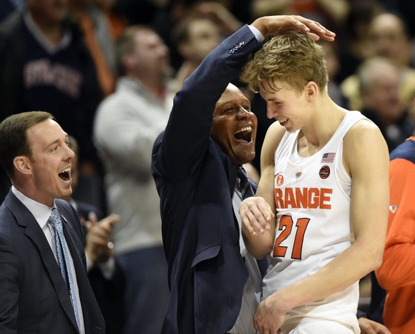 Syracuse trying to fight way off NCAA Tournament bubble