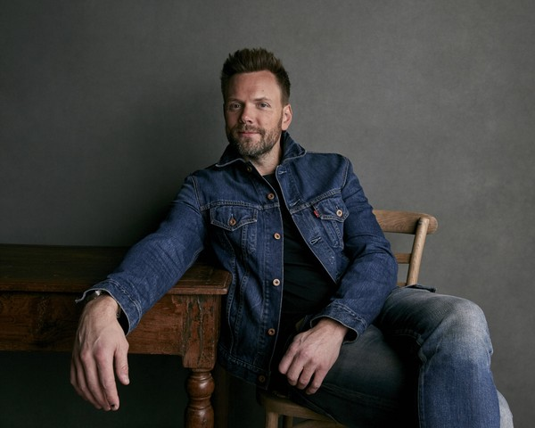 """Joel McHale poses for a portrait to promote the film """"A Futile and Stupid Gesture"""" at the Music Lodge during the Sundance Film Festival on Monday, Jan. 22, 2018, in Park City, Utah."""