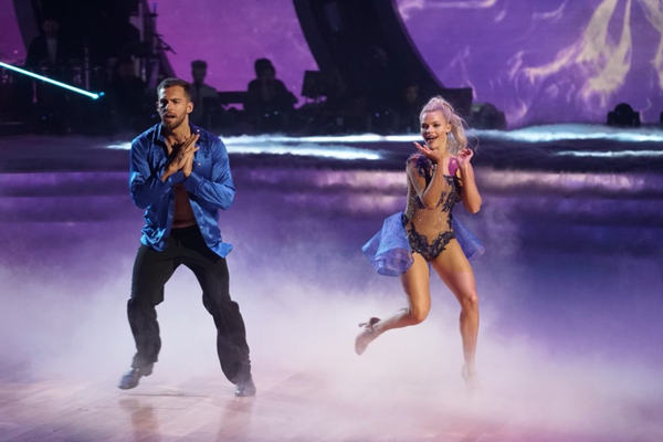 Chris Mazdzer and Witney Carson dance a salsa on Episode 1 of Season 26 of 'Dancing with the Stars.'