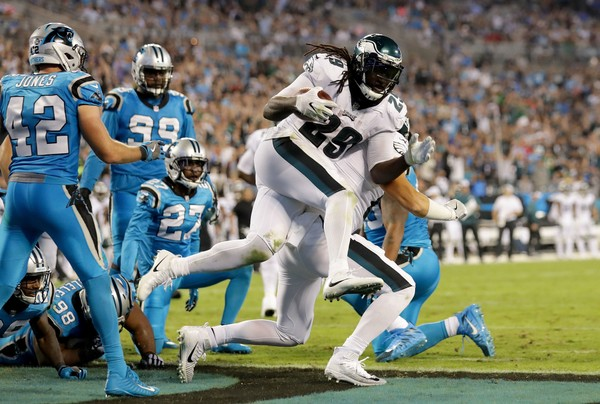 LeGarrette Blount #29 of the Philadelphia Eagles runs for a two point conversion against the Carolina Panthers in the third quarter during their game at Bank of America Stadium on October 12, 2017 in Charlotte, North Carolina.  (Photo by Streeter Lecka|Getty Images)
