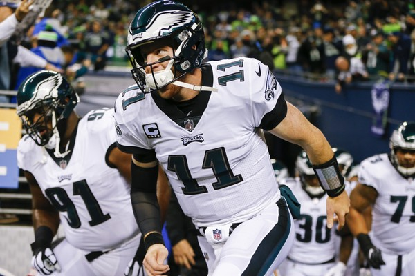Eagles' Carson Wentz (knee) out for remainder of Sunday's game
