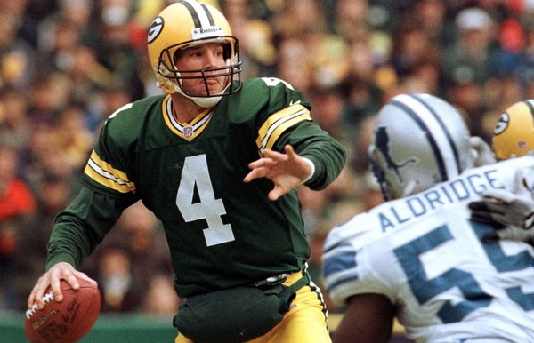 Former Green Bay Packers quarterback Brett Favre will speak to the Eagles before Super Bowl LII