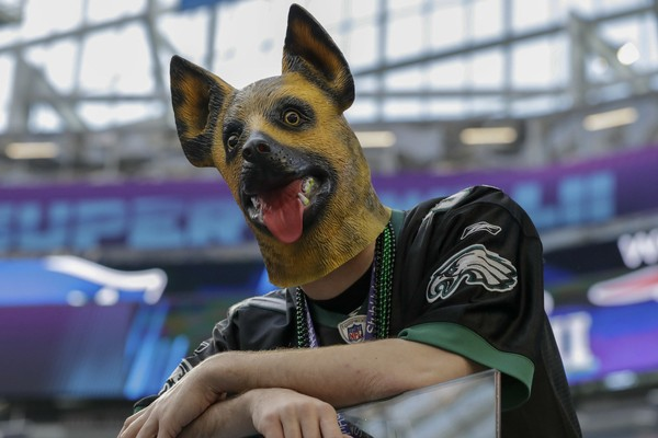 size 40 c5c05 b62a7 Why are Eagles' fans wearing dog masks at Super Bowl 2018 vs ...