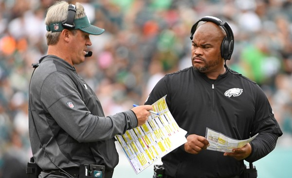 Philadelphia Eagles running backs coach Duce Staley (right) is getting a promotion. (Eric Hartline | USA TODAY Sports)