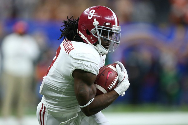 Alabama Crimson Tide running back Bo Scarbrough (9) runs the ball. (Chuck Cook | USA TODAY)